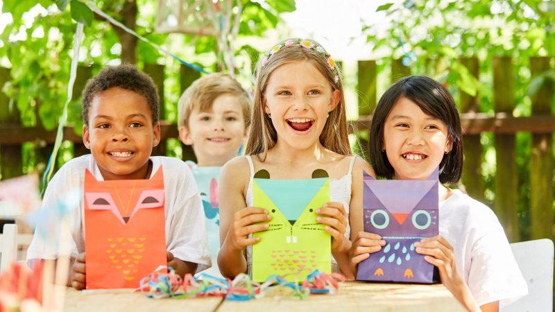 Comment préparer les enfants à la fête de fin d'année à la crèche?