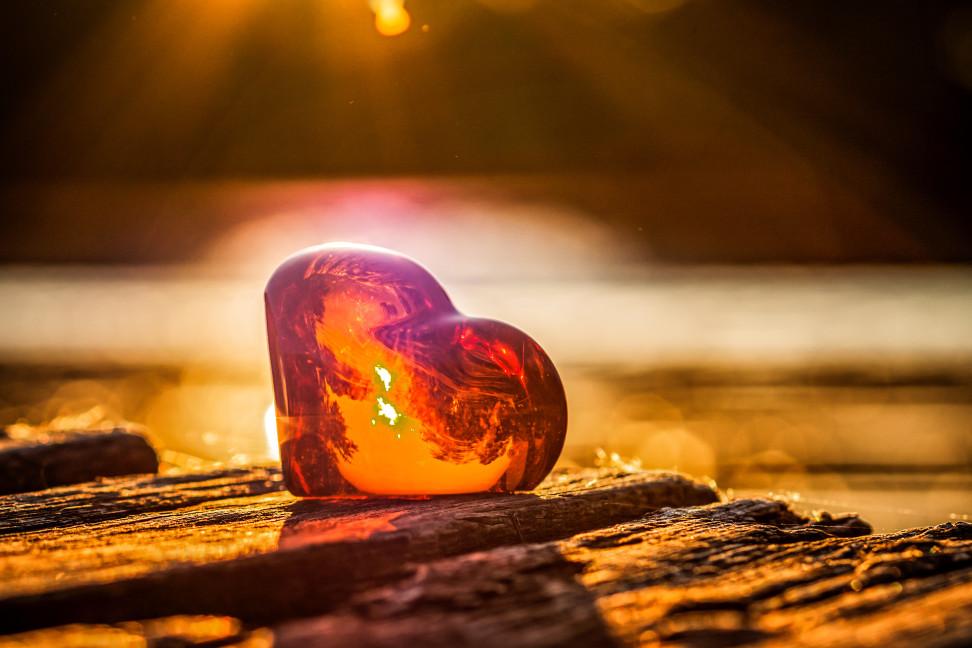 L'ambre et le jade : des pierres pour renforcer notre santé